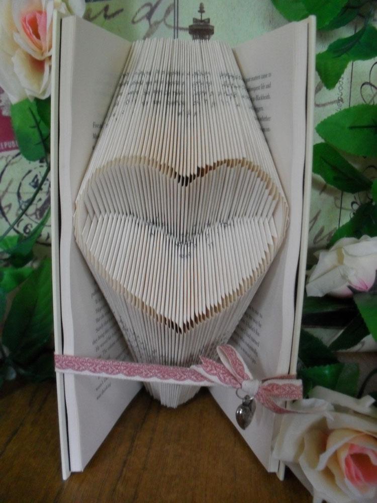 """""""Open heart"""" folded book pattern"""
